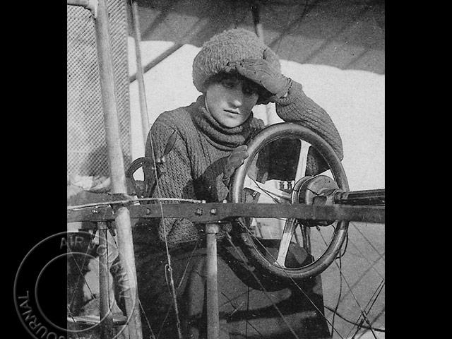 air-journal-baronne-de-laroche-rouen-1910.jpg